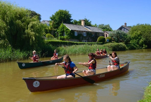 Resiodential GCSE PE Group canoeing on Bude canal
