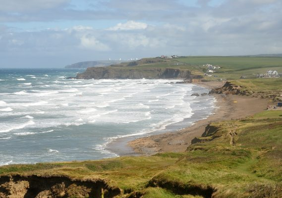 Widemouth_Bay_from_the_south