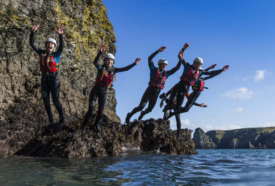 outdoor instructor training in coasteering